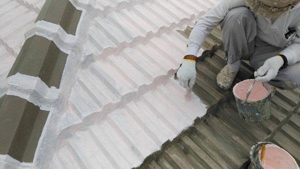 沖縄県那覇市M邸の防水塗装1日目塗布。