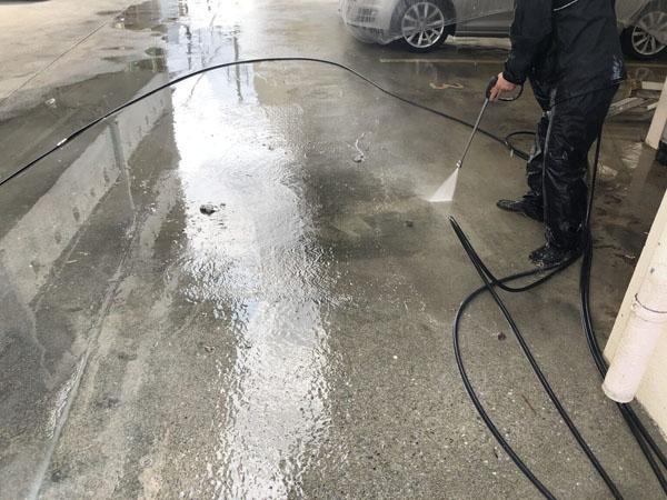沖縄県那覇市Oアパート様の高圧水洗浄工事。