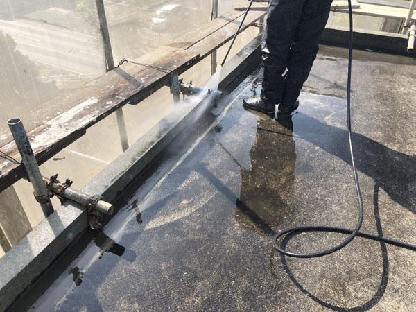 沖縄県うるま市Sアパート様の高圧水洗浄工事