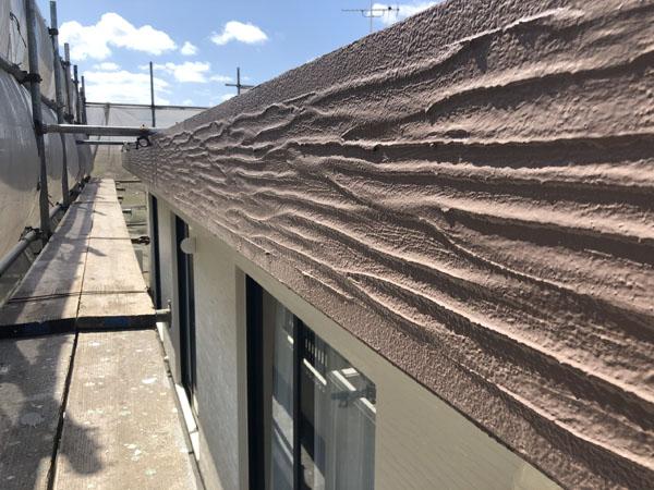 沖縄県宜野湾市M邸の外壁・軒・ポイント色上塗り。