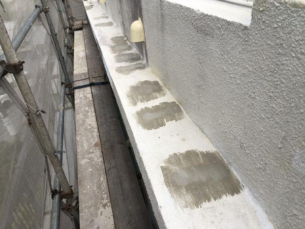 沖縄県那覇市T邸のひび割れ仕上げ左官・コンクリート剥離部仕上げ左官完了。