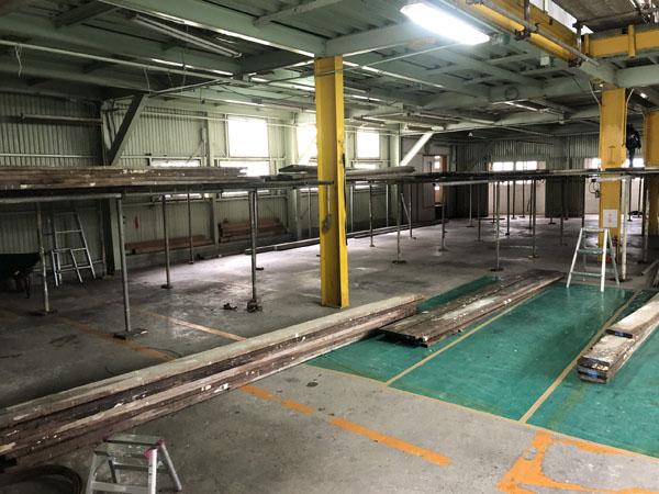 沖縄県那覇市T邸の1階内部の足場組み。