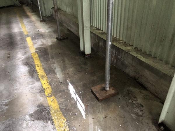 沖縄県那覇市T倉庫様の雨漏り発見。