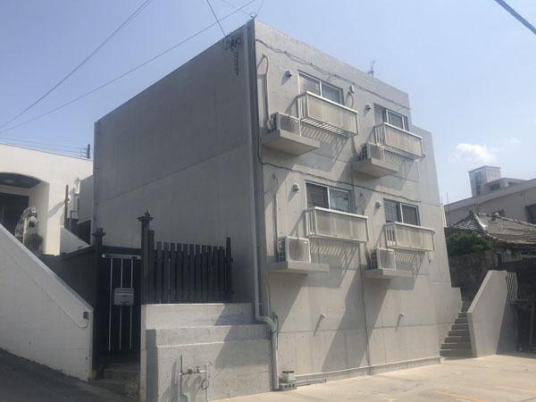外壁塗装後の沖縄県うるま市Sアパート様
