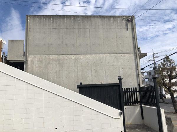 外壁塗装前の沖縄県うるま市Sアパート様