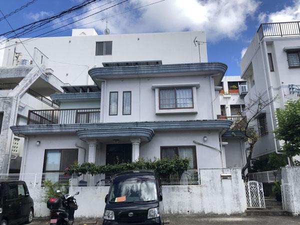 外壁塗装前の沖縄県那覇市E邸